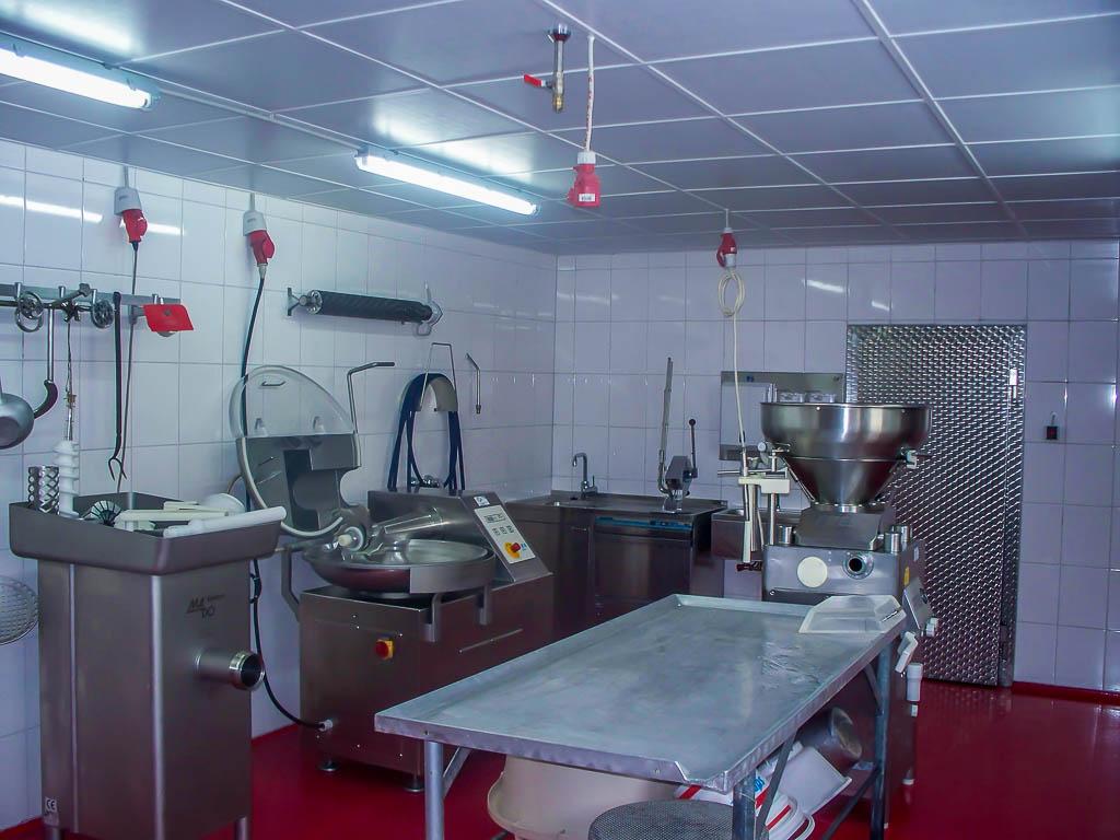 Fleischverarbeitung auf dem Hof Georgenau
