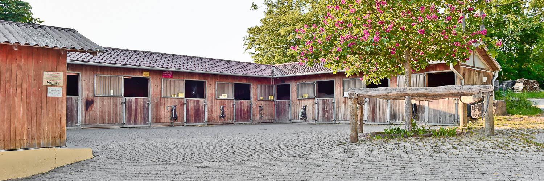 Stallungen Hofgut-Georgenau Möttlingen Bad-Liebenzell